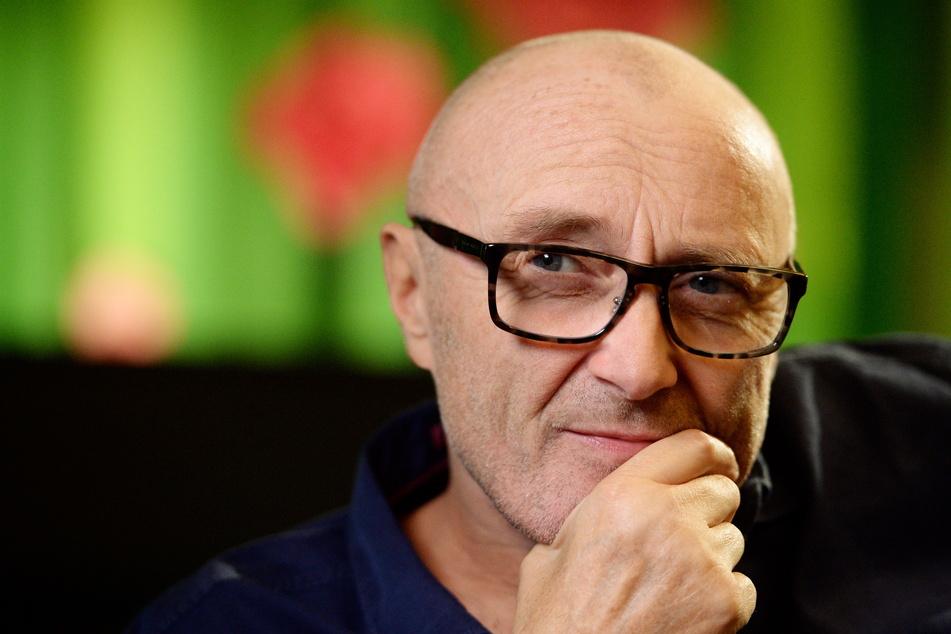 Phil Collins (69) ist wütend über das Verhalten seiner Ex und will diese nun vor die Tür setzen.