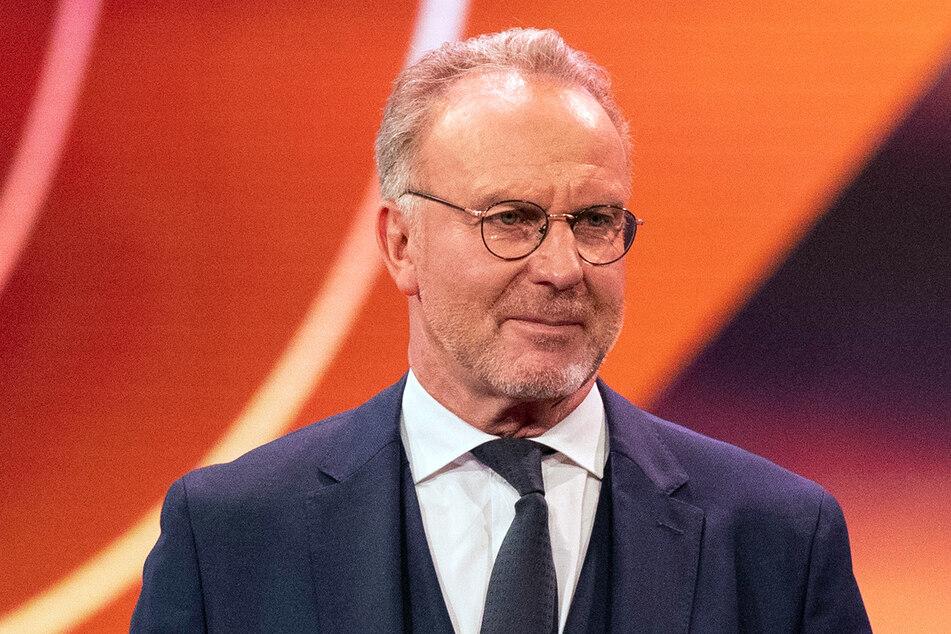Für den Bayern-Vorstandschef Karl-Heinz Rummenigge (65) ist klar: Der Weltfußballer Lewandowski bleibt in München. (Archiv)