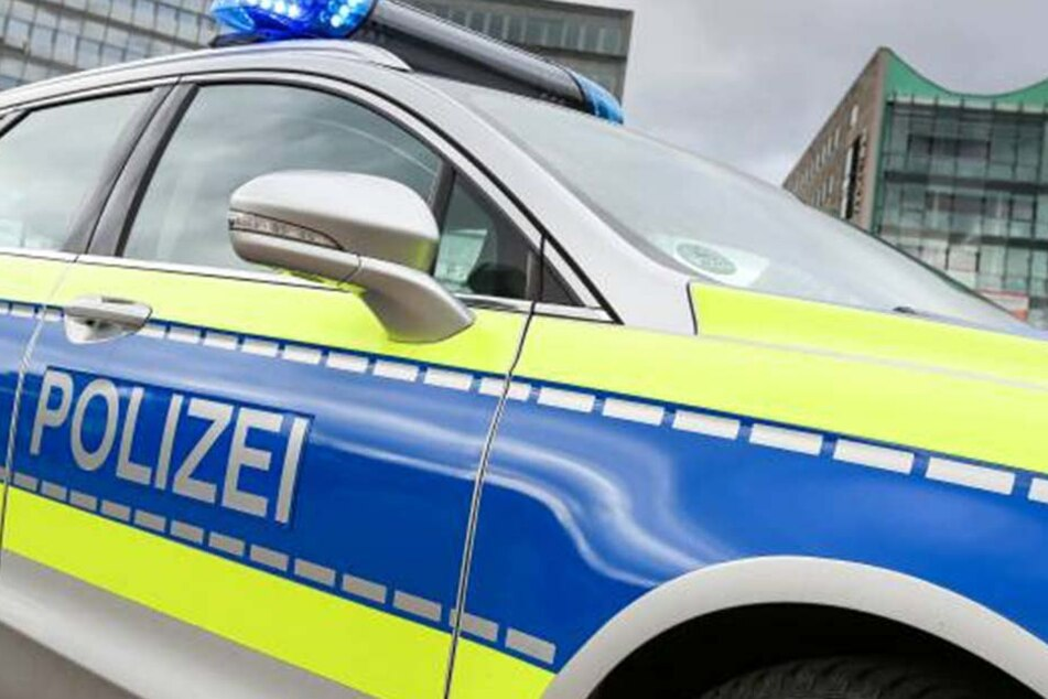 Auch ein neues Polizeiauto schrottete der 28-jährige Trunkenbold.