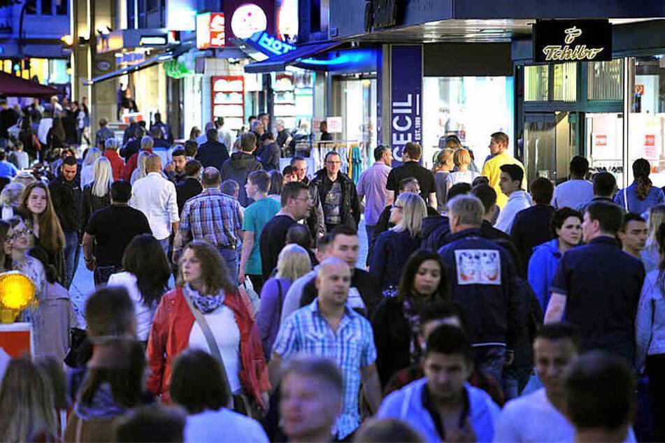Die Stadt ist nicht nur zum Mitternachtsshopping voll. Bielefeld gehört zu den bestbesuchten Städten Deutschlands.