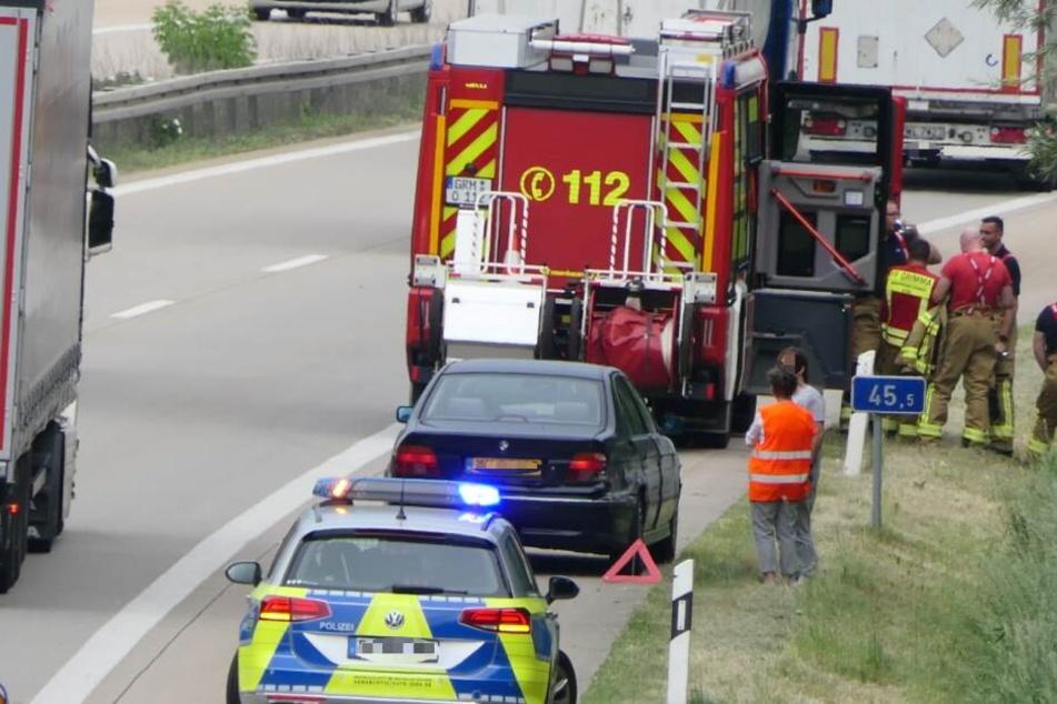 Auf der A14 ist am Donnerstagnachmittag ein Auto in die Leitplanke gekracht.
