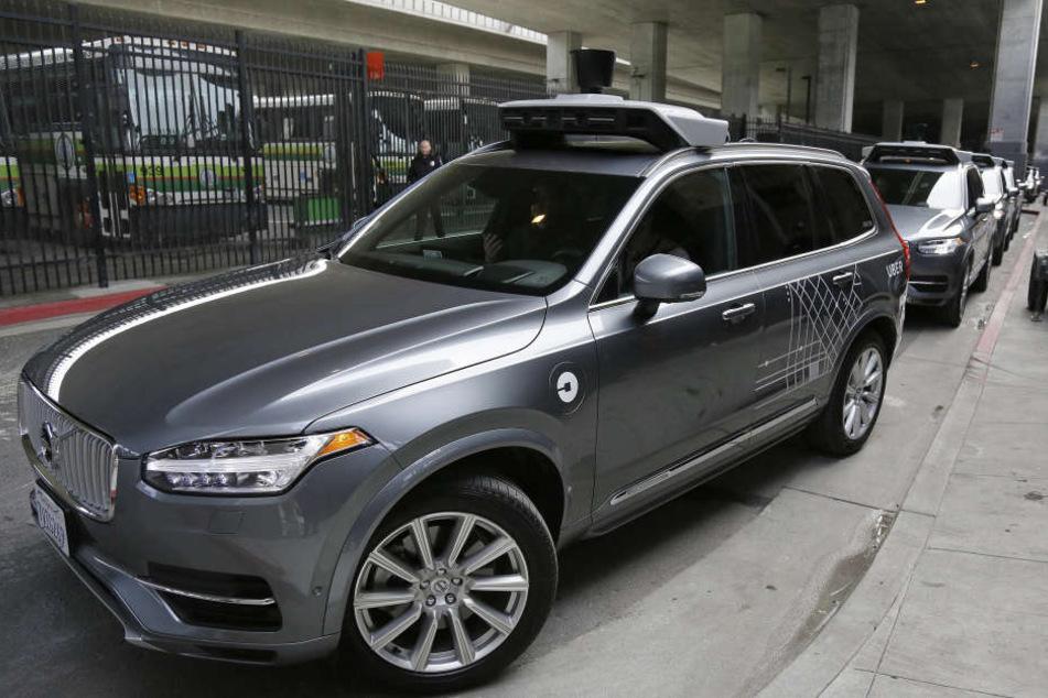 Der Fahrdienst-Vermittler bekam die Erlaubnis, zunächst zwei selbstfahrende Autos auf die Straße zu bringen.