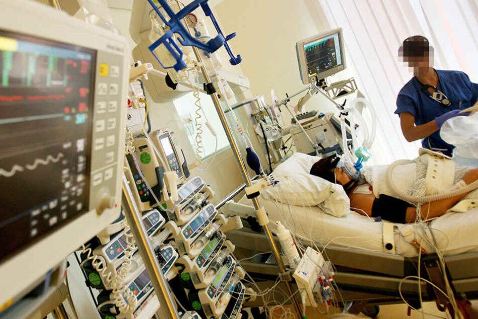 Der Zustand des 30-Jährigen Patienten wird zunehmend schlechter. (Symbolbild)