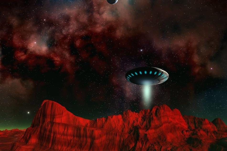 Forscher haben ein Signal aus einem fernen Sternensystem entdeckt. Gibt es womöglich doch Aliens außerhalb der Erde?