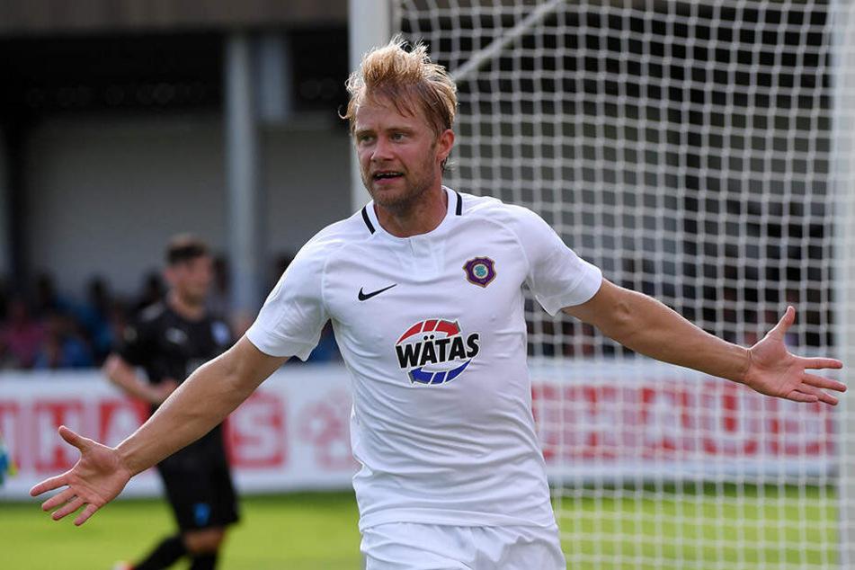 Jan Hochscheidt trifft und jubelt über das zwischenzeitliche 2:1 gegen den FSV Wacker Nordhausen.