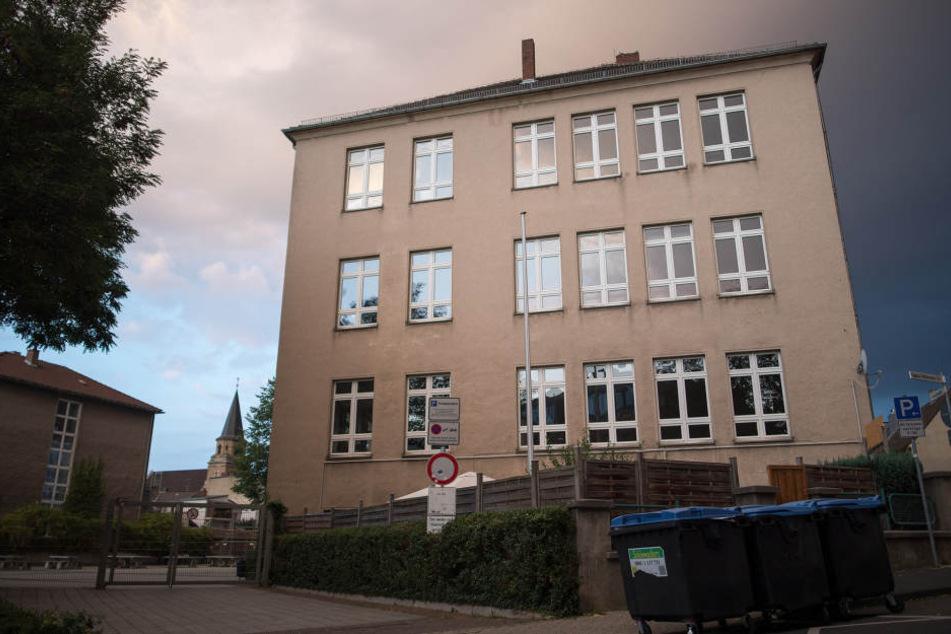 Ein 12-jähriger Junge wurde am Donnerstag in der Gesamtschule Euskirchen fast totgeprügelt.