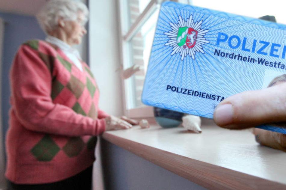 In NRW wurden 2017 rund 10.000 Betrugsfälle mit falschen Polizisten registriert (Symbolbild).