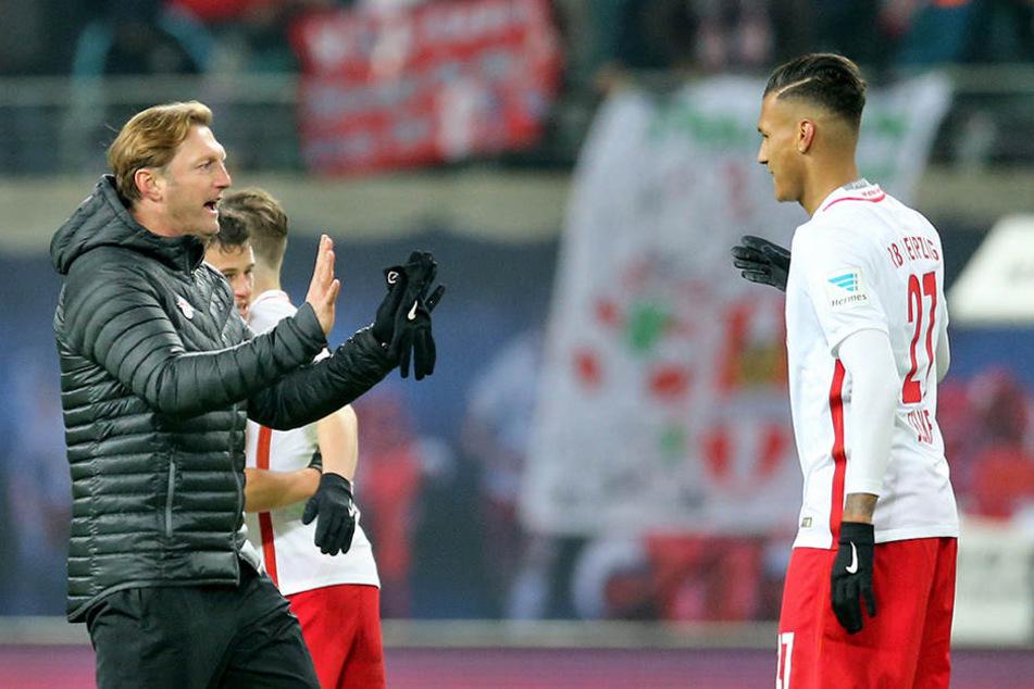 Davie Selke (r.) befindet sich in einer aktuellen schwierigen Phase bei RB, bekommt wenig Einsatzchancen. Gegen Ex-Verein Bremen könnte der 22-Jährige wieder auflaufen.