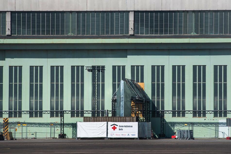 Das neue Impfzentrum in Tempelhof soll nach dem Start am Montag zunächst nur nachmittags geöffnet sein.