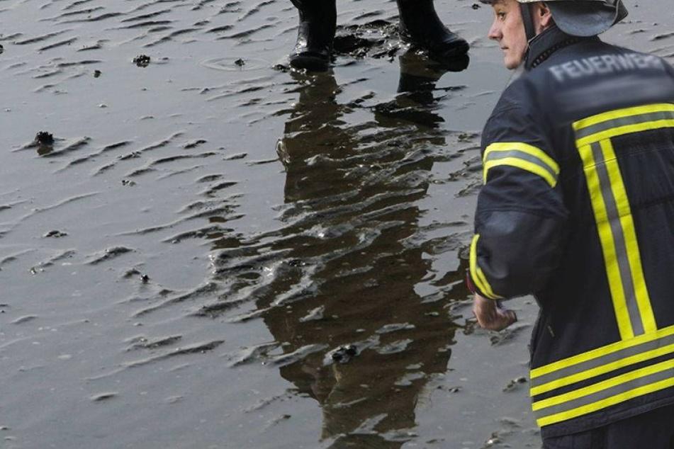 Feuerwehr rettet Kind aus Schlammloch