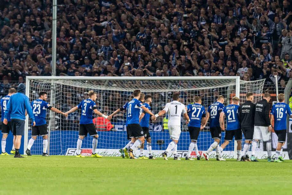 Fans und Mannschaft sollen in Zukunft weiter auf Jubeltour durch Deutschland ziehen.