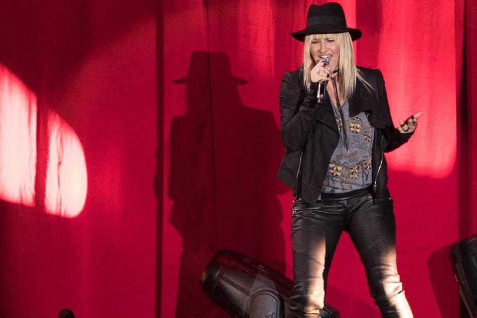 Sarah Connor steht regelmäßig vor Tausenden Menschen auf der Bühne, und möchte dann manchmal einfach wegrennnen.