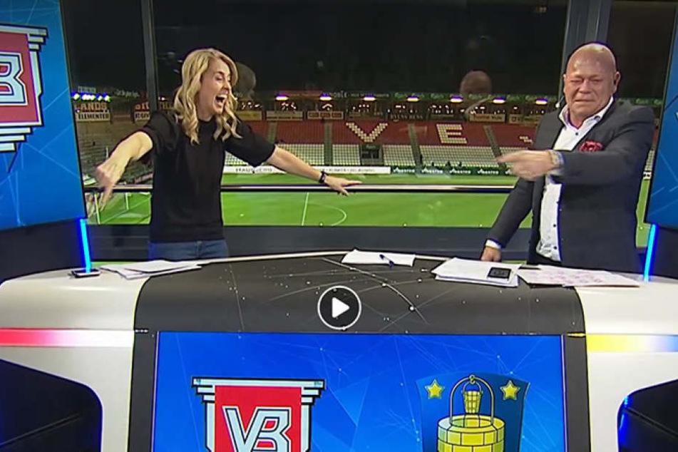 Moderatorin Camilla Martin kann sich kaum noch halten vor Lachen, nachdem ihr Kollege den Furz losgelassen hat.