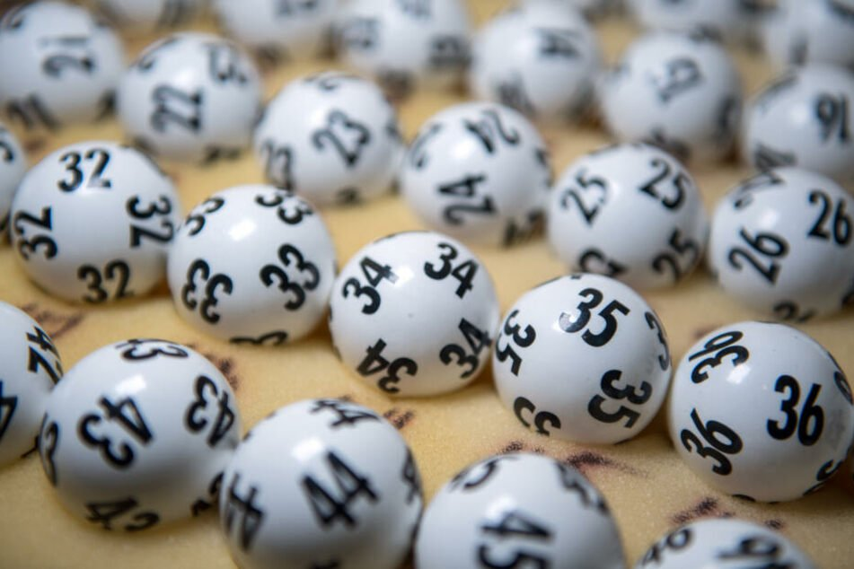 Der Gewinner kann sich jetzt über 2,4 Millionen Euro freuen. (Symbolbild)