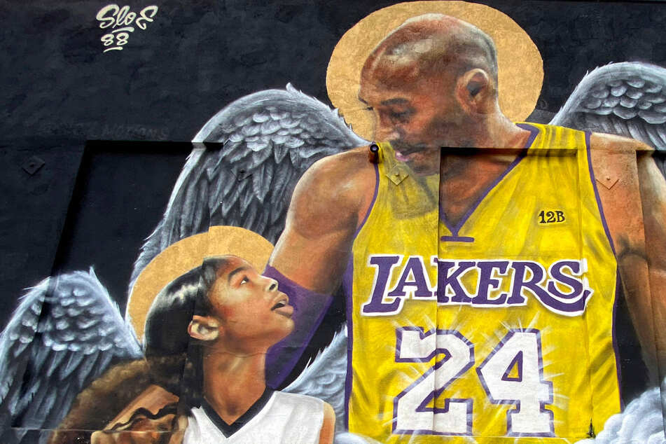 Kobe Bryant's widow settles crash lawsuit with helicopter firm