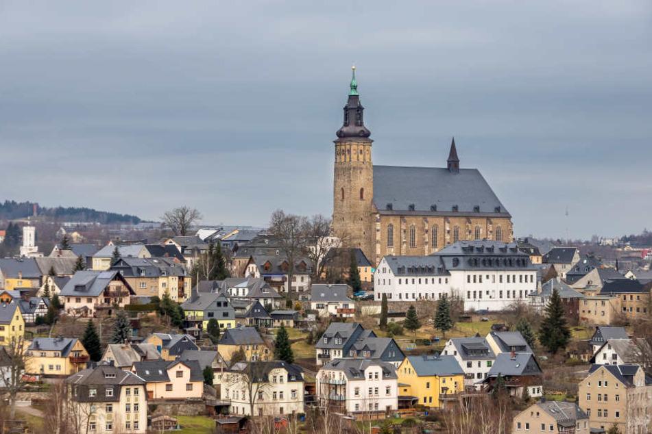 Die St. Wolfgang Kirche in Schneeberg. Auch hier soll es demnächst überall kostenloses WLAN geben. (Archivbild)