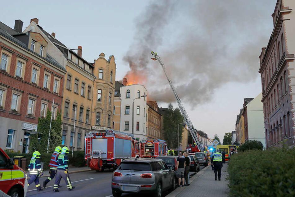 Brandstiftung in der Lützowstraße: Eine Serie von Feuern in Wohngebäuden und Fabriken macht den Chemnitzern Angst.