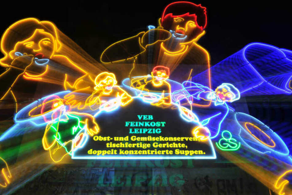 Die Leipziger Löffelfamilie ist eine von Leipzigs berühmten Leuchtreklamen. Sie bleibt an Ort und Stelle.