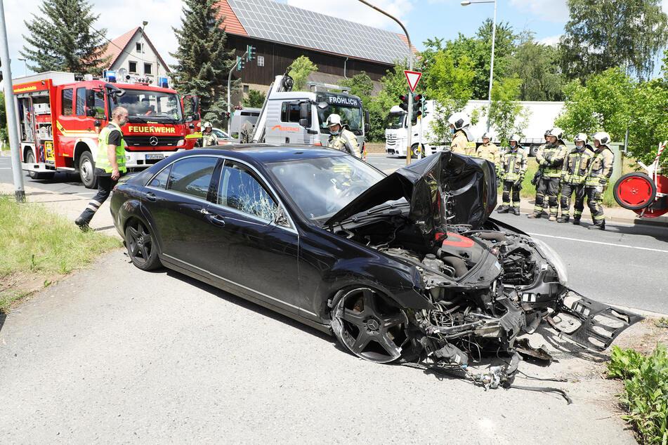 Von der Mercedes Benz S-Klasse in der AMG-Ausführung blieb nur Schrott übrig.