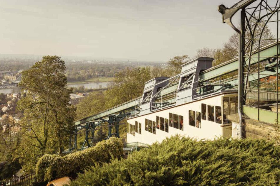 Traditionell Richtung Jahresende müssen Dresdens Bergbahnen sozusagen zum TÜV, die Herbstrevision steht an.