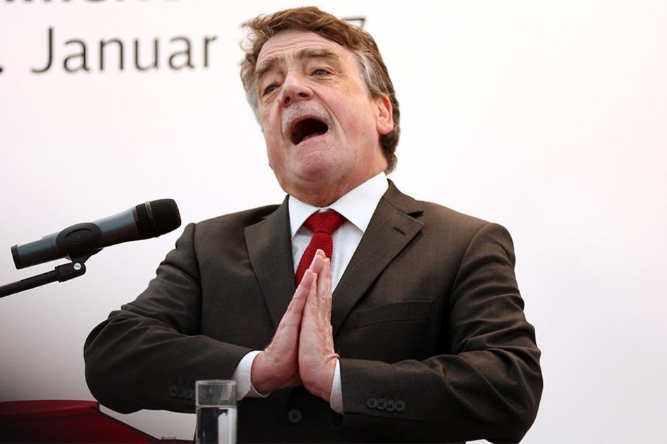 Michael Groschek wehrt sich gegen Angela Merkels Vorwürfe gegen die SPD-Landesregierung.