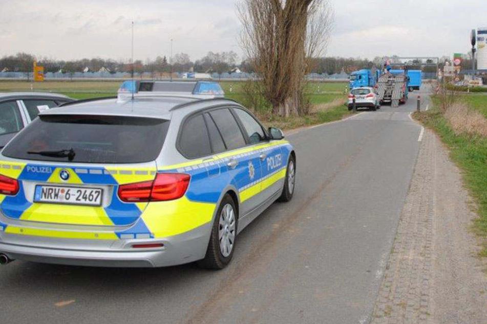 Polizei hilft ratlosem Lkw-Fahrer über Brücke