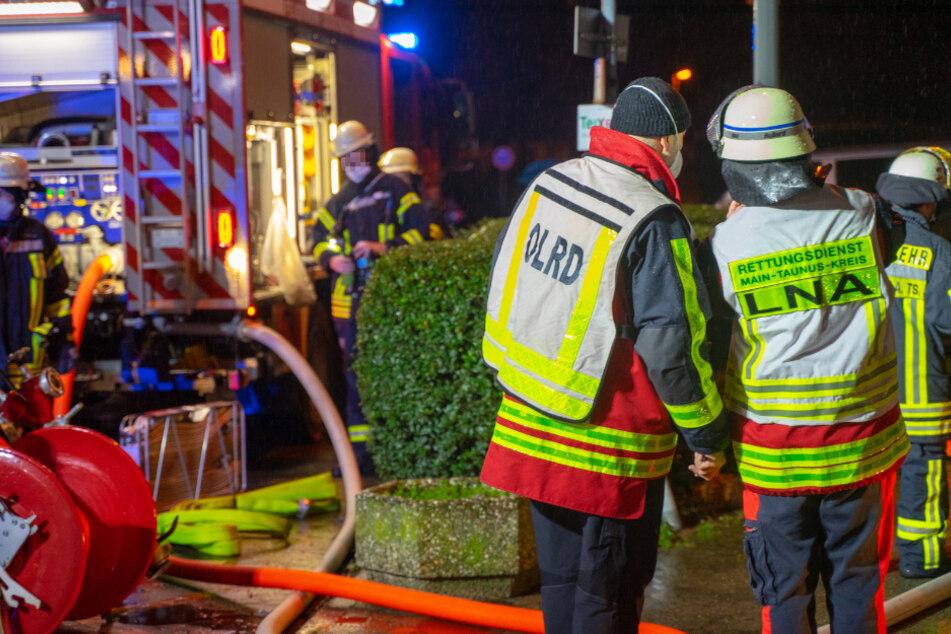 Frankfurt: Hochhaus-Brand in Liederbach bei Frankfurt: War es Brandstiftung?