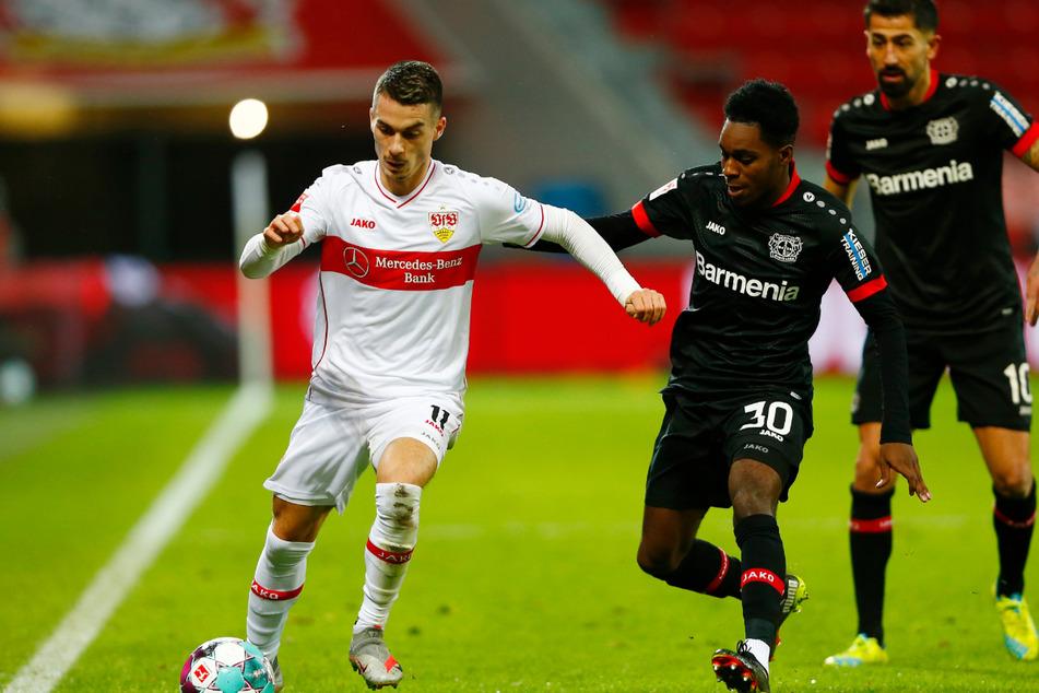 VfB-Profi Erik Thommy (l., 26), hier im Spiel gegen Bayer 04 Leverkusen, fällt verletzt aus.