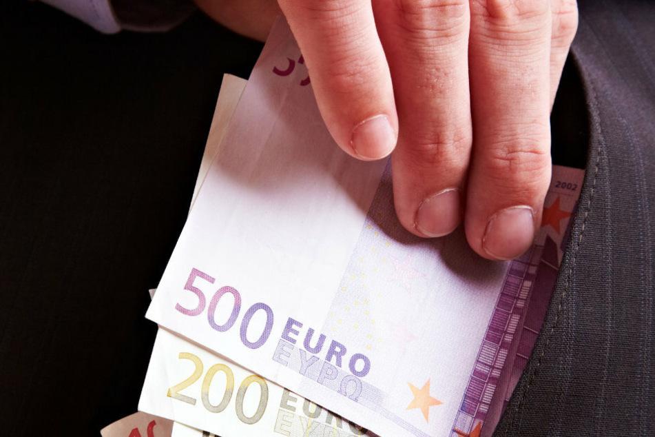 Die Kripo warnt vor dubiosen Spendensammlern. (Symbolbild).