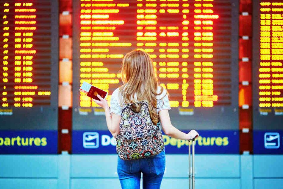 Eine 14-Jährige blieb am Flughafen zurück. (Symbolbild)