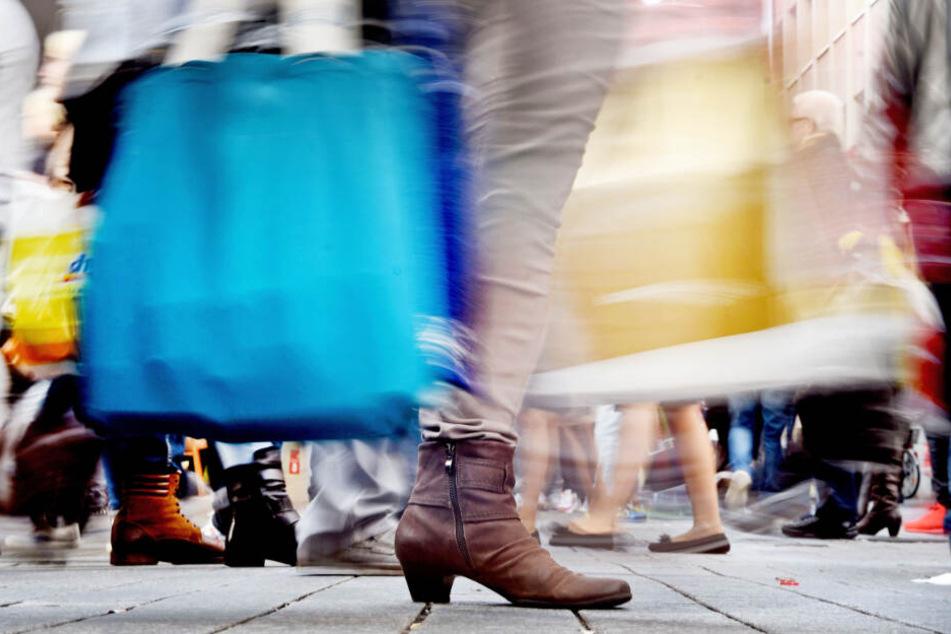 Einkaufen an Heiligabend? Das ist in Bayern regulär bis 14 Uhr möglich. (Symbolbild)