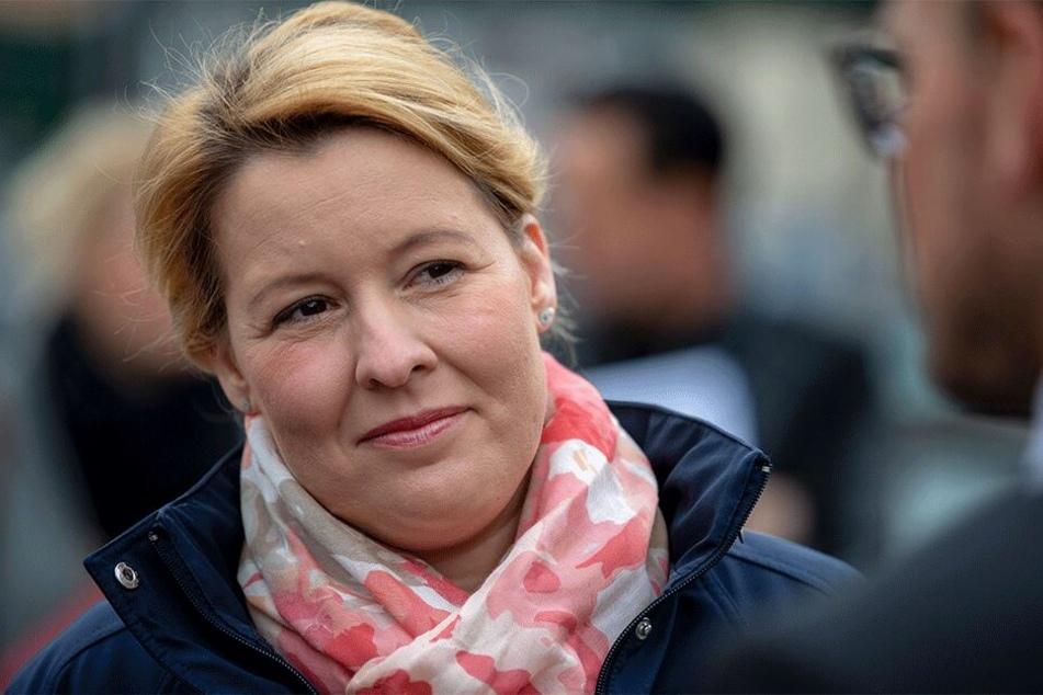 Laut Urteil von VroniPlag soll die SPD-Ministerin sehr unsorgfältig gearbeitet haben.