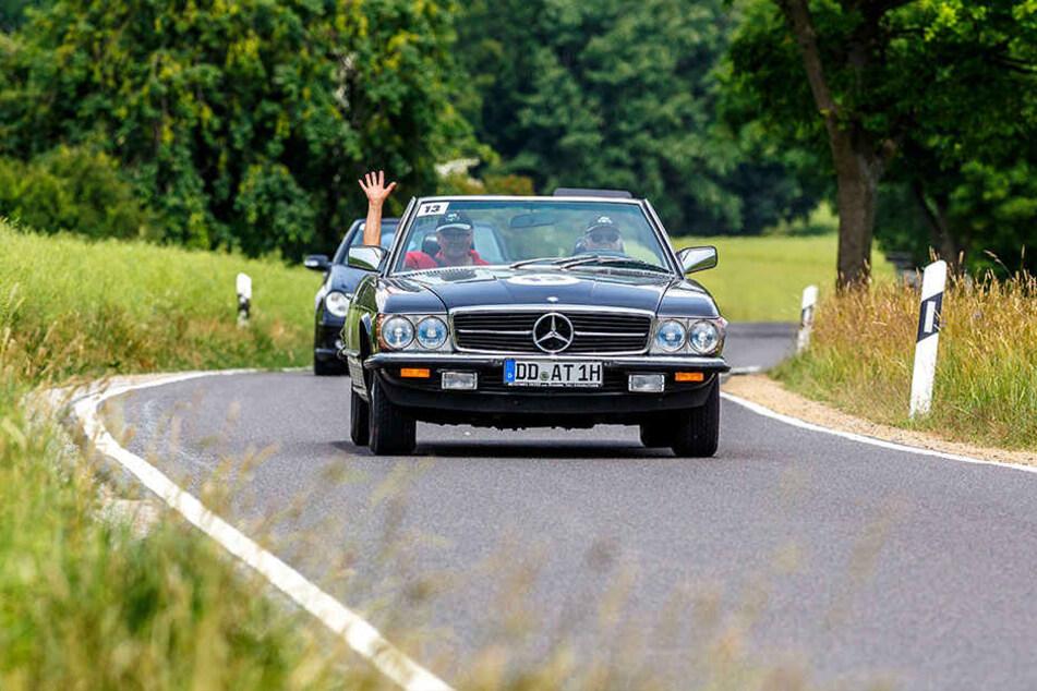 Eine Landpartie: Bei bestem Wetter waren mehr als 100 Teilnehmer bei der Cabrio Rallye Sachsen dabei.