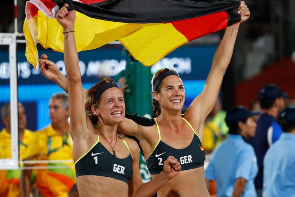 Dieses Jahr gewannen Laura Ludwig und Kira Walkenhorst (von links) die Goldmedaille im Volleyball bei den Olympischen Spielen in Brasilien.