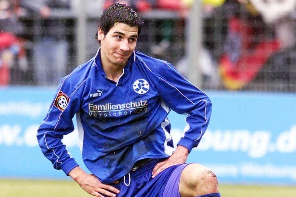 Schon ein ganzes Weilchen her: Cristian Fiel in der Saison 2000/2001 im Trikot der Stuttgarter Kickers.