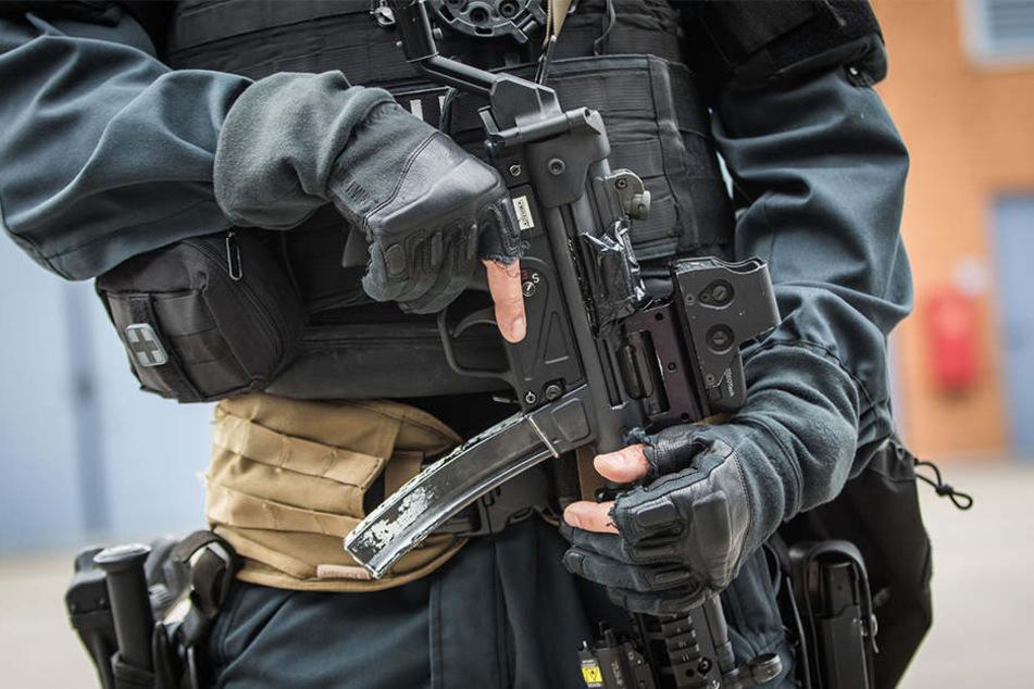 Die Polizei und das SEK sind auf jede Eventualität vorbereitet. (Symbolbild)