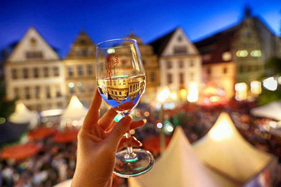 Prost! Viele verschiedene Regionen präsentieren ihre Weine.