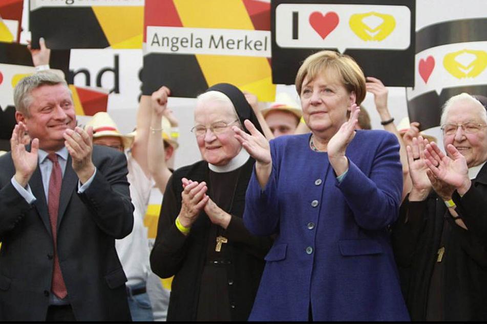 Bundeskanzlerin Angela Merkel (63) ließ sich in Delbrück feiern.
