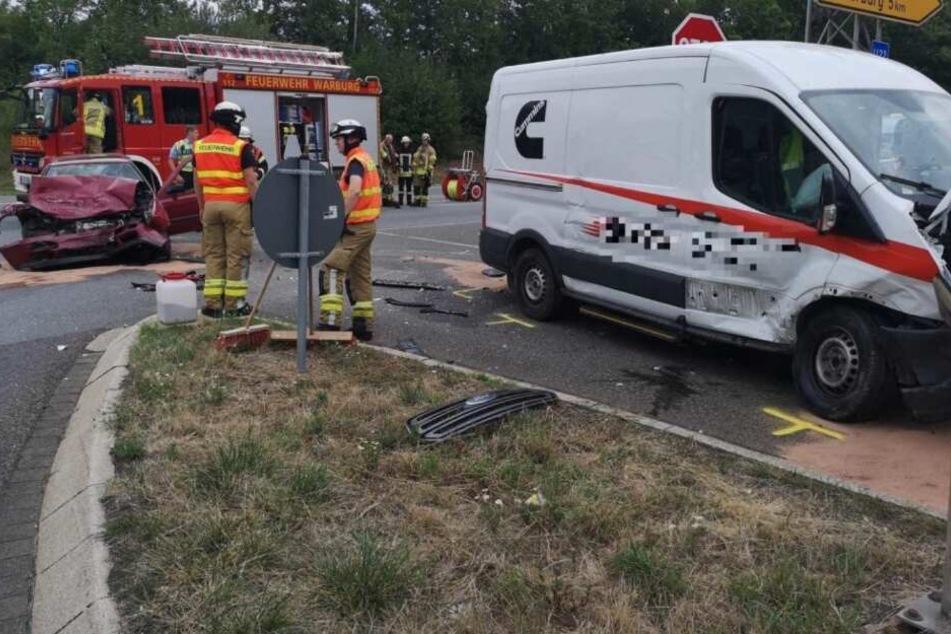 Frontal-Crash auf Bundesstraße: 19-Jähriger schwer verletzt