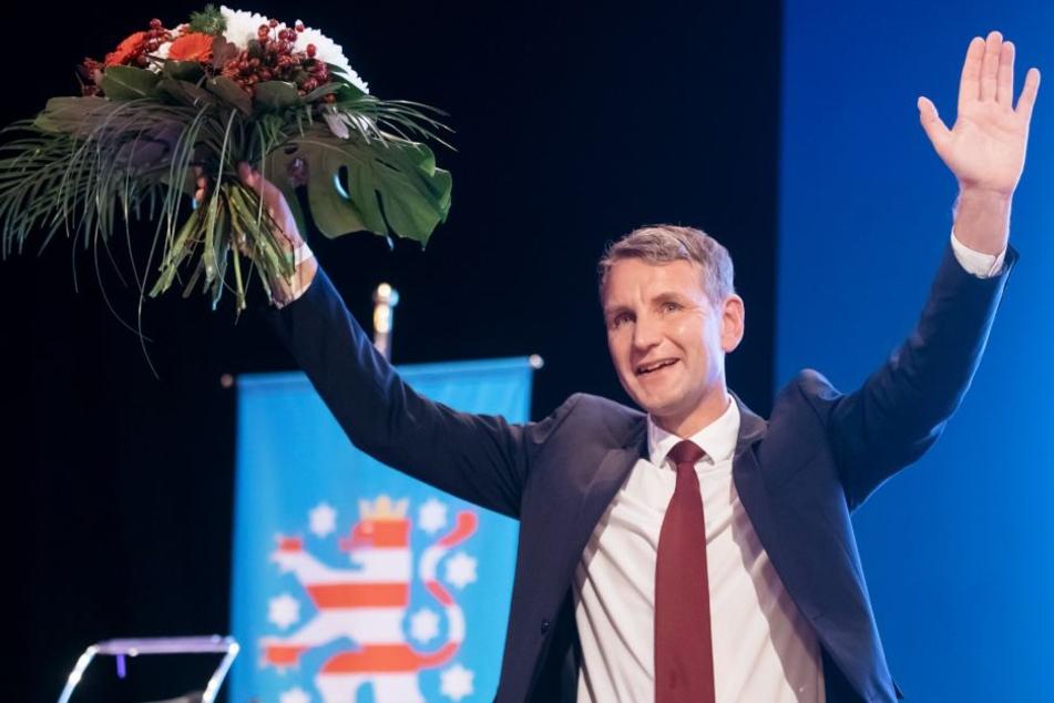Björn Höcke freut sich über die Wahl zum Spitzenkandidat.