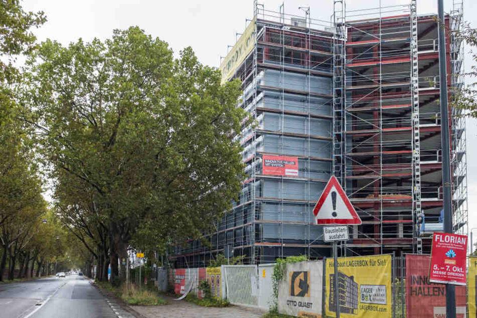 Hier wird künftig gebunkert! Auf der Hamburger Straße entstehen 1400 Lagerboxen.