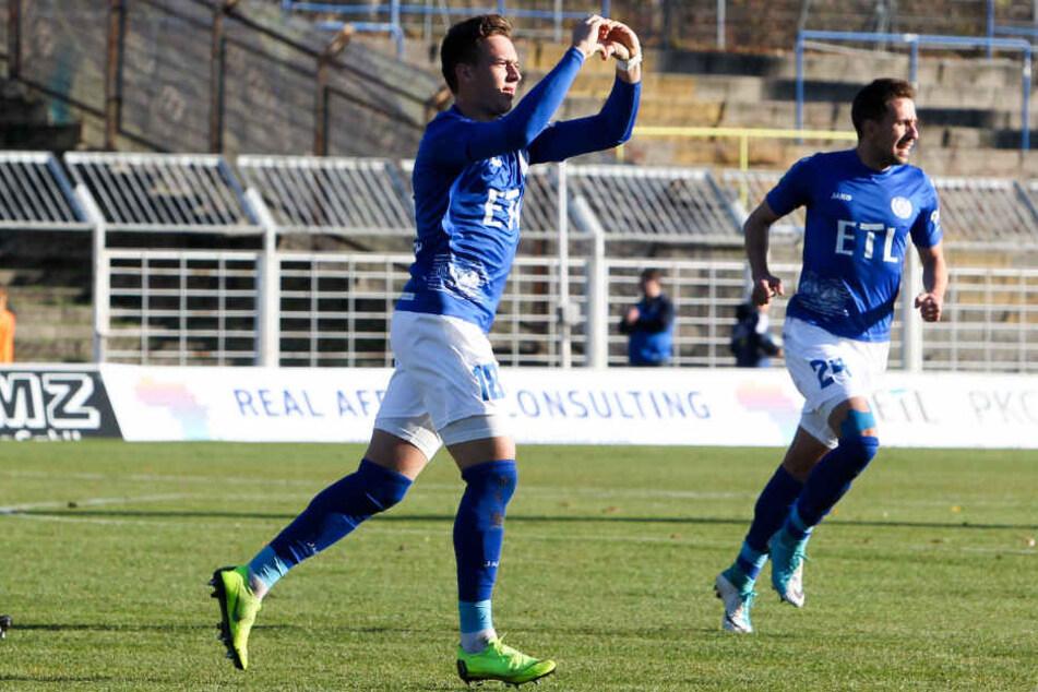Der 1. FC Lokomotive Leipzig holte am 11. November mit 4:1 (1:1) den Sieg gegen die favorisierten Berliner.