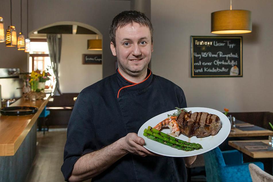 Küchenchef Ulf Oeser (33) empfiehlt ein Rib Eye Steak mit grünem Spargel.