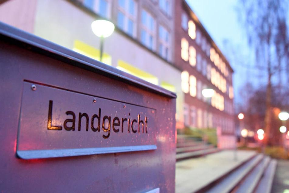 Der Prozess wird vor dem Kieler Landgericht verhandelt.