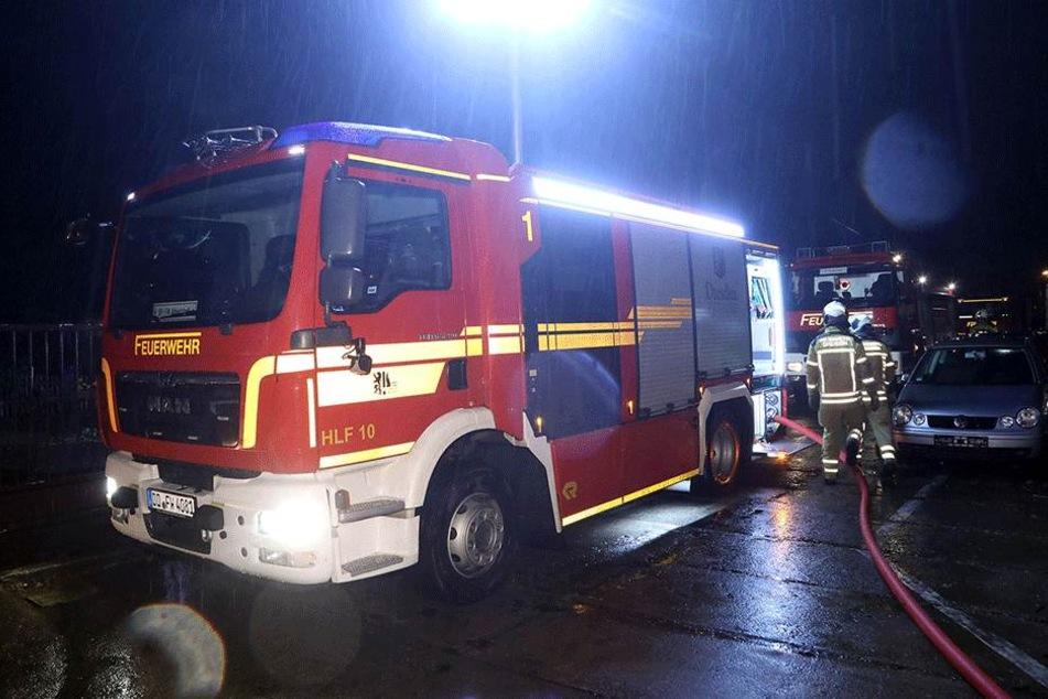 Mehrere Feuerwehrwagen waren in der Leipziger Straße im Einsatz.