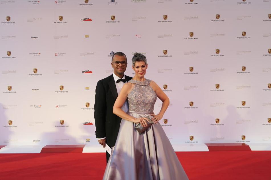 Nicht nur auf dem roten Teppich ein tolles Paar: Shephard mit ihrem Ehemann Nikolaus Okonkwo.