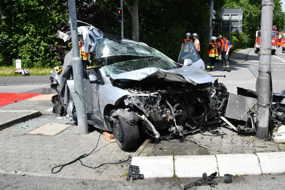 Sieben Personen wurden bei dem Unfall verletzt.