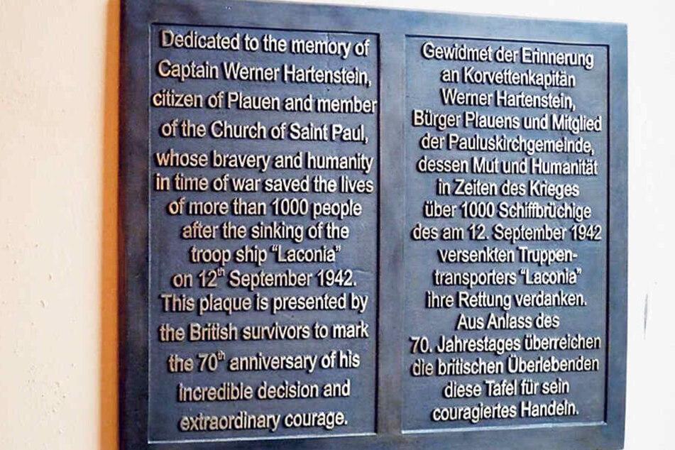 Eine Gedenktafel in der Plauener Pauluskirche erinnert an die Rettungsaktion von Werner Hartenstein.