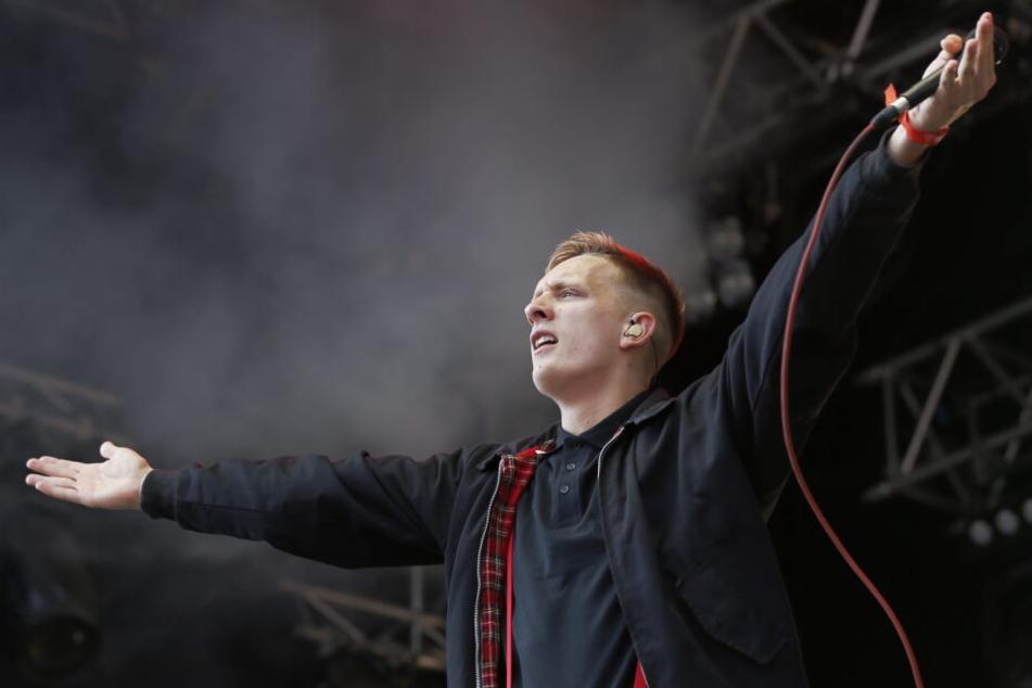 Kraftklub-Frontmann Felix Kummer hat einen weiteren Song aus seinem neuen Album veröffentlicht.