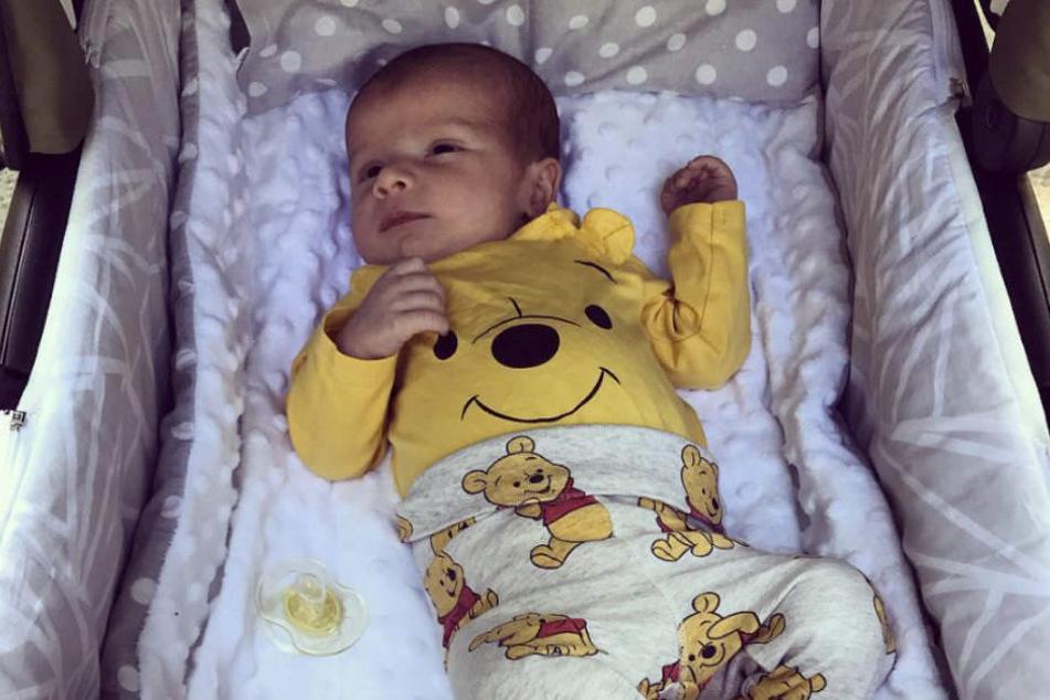 Milans Wunde wurde im Krankenhaus neu verbunden. Nun darf der Kleine wieder nach Hause.
